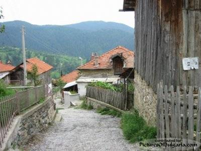 Momchilovtsi - Pictures Of Bulgaria