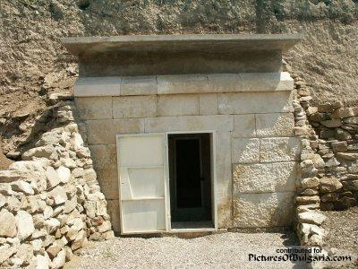 Thracian Tomb of Ivanski - Pictures Of Bulgaria